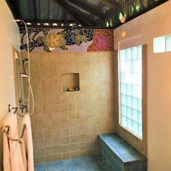 Spacious open shower, Coral Hill Bungalows
